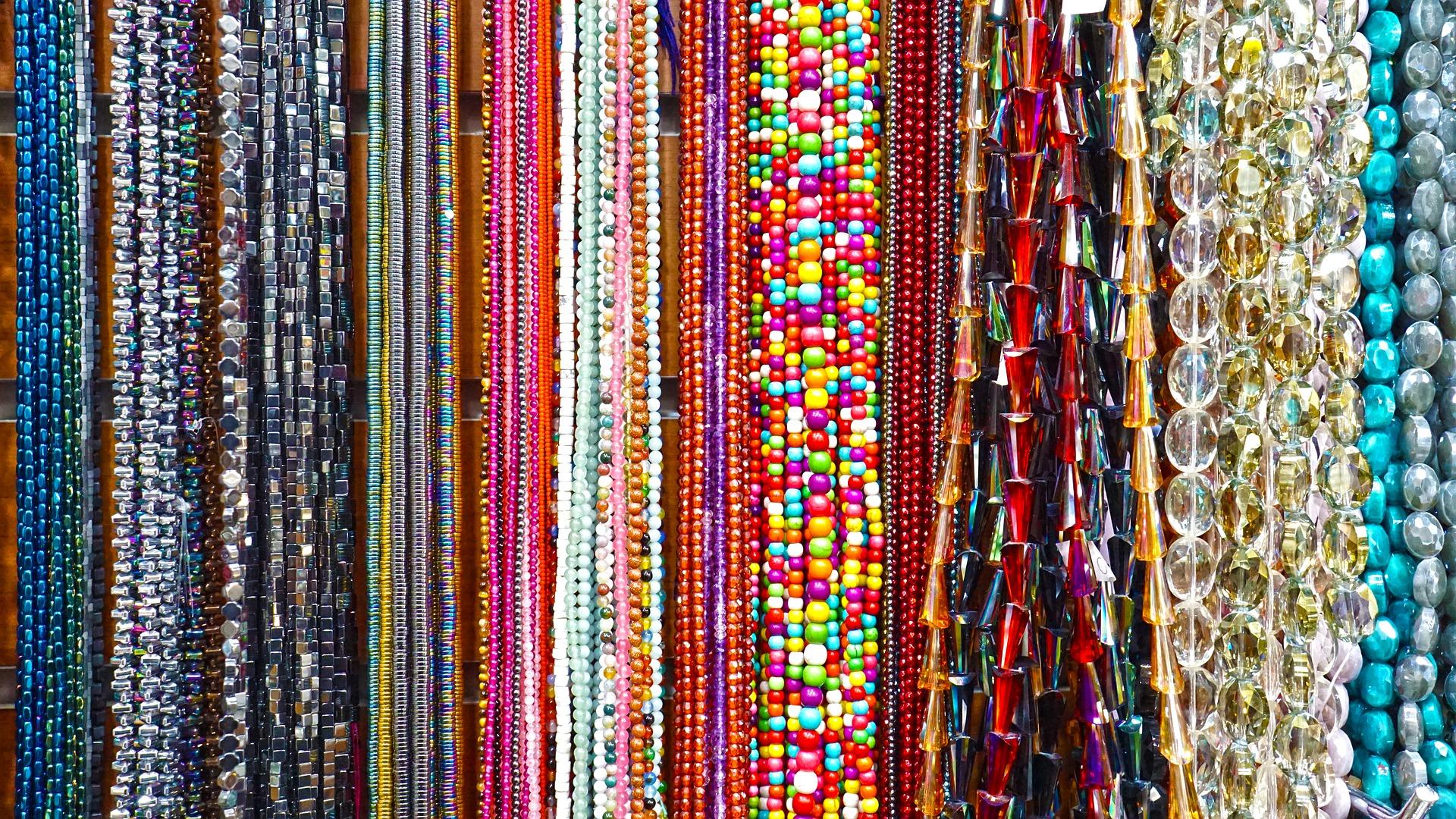 barang perhiasan